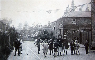 Anderson Road Weybridge 1911 showing the corner building that is now the Prince of Wales Pub Oatlands Weybridge Surrey